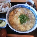 レストラン たにし - 料理写真:百日どりの親子うどん定食
