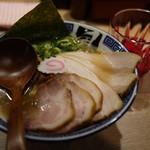 風は南から - 塩チャーシュー麺やっ( ・´ー・`)ドヤ