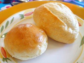 シェ・アンジュ - ランチコース 5500円 のパン2種類