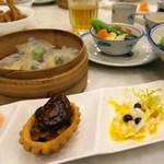 Mei Garden 味苑 - 原隻鮑魚雞粒酥