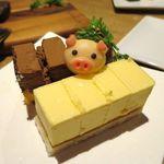 豚農家直営 肉バル BooBooキッチン - ケーキ 390円