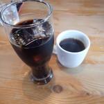 オンザテーブル - アイスコーヒーとブレンド