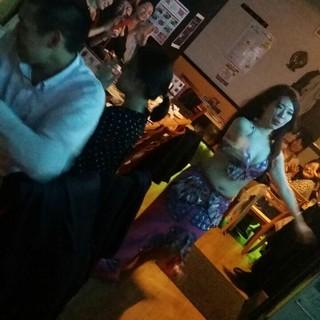 ベリーダンスショーで楽しいパーティーを!