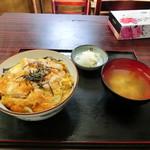 栄楽 - 料理写真:カツ丼