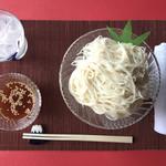上尾そーめん きゅんきゅん亭 - ラー油と豆板醤が効いてる中華風ピリ辛素麺♪