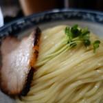67060192 - 「麺」は加水率が高め、ツヤツヤでツルツルの食感