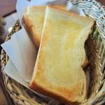 動物のお花屋さん cafe My Peridot - このパンが美味しい!!
