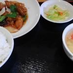 風味定食屋 - 日替わり。月曜日は酢豚。500円