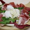エリオ・アンティカ・フォルネリア - 料理写真:当店看板のブラータチーズ