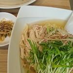67066253 - 鶏スープ麺