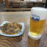 67069320 - 牛皿と生ビール(中)