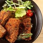 桜肉寿司と飛騨牛もつ鍋 TATE-GAMI - 馬肉メンチの味噌カツ丼