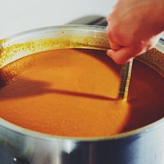 オーガニックスパイスと国産野菜を中心に身体思いのスープカレー