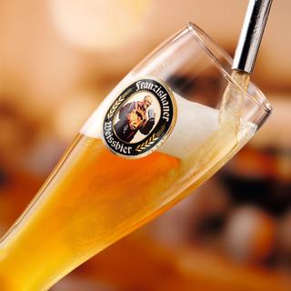 世界各国の自社輸入クラフトビールが樽生で楽しめる!