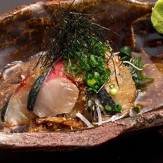 博多ごまさばや熊本直送特選馬赤身刺しなど一品料理もおすすめ!