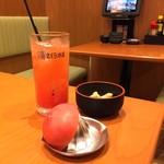 さくら水産 - 生絞りトマトサワー¥390
