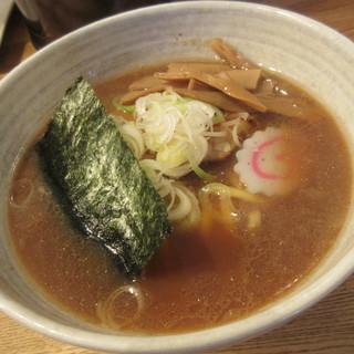 ちかみちらーめん - 料理写真:しょうゆらーめん(平打麺)