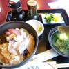 ファミリーレストラン大家族 - 料理写真:能登丼
