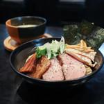 麺者すぐれ - 料理写真:2017年5月再訪:すぐれつけ麺 三種の肉・味玉・海苔☆