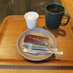 ダンデライオン・チョコレート ファクトリー&カフェ蔵前 - ドゥルセ・デ・レチェ・バー、マシュマロ&アメリカーノ