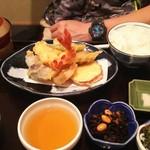 だしの店つみ木 - 天ぷら定食1300円