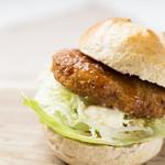 THIS 伊豆 SHIITAKE バーガーキッチン - THIS 伊豆 しいたけたっぷりのグラタンコロッケバーガー