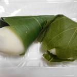 竹和 - 抹茶ミルク大福¥140-と柏餅みそあん¥140-