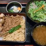 6709952 - 焼鳥そぼろ丼定食