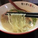麺屋彩々 - 鶏白湯塩らーめん(780円)麵リフト