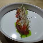 TTOAHISU - ◆初鰹のカルパッチョ・・盛り付けが美しいこと。 今年の初鰹は高値で取引されていると他で耳にしましたが、タップリ盛られています。