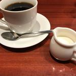 Cafe Sanbankan - コーヒーミルクがピッチャーに入っているのを見るのも久しぶり‥