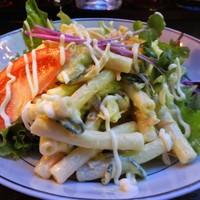 ビートバー・ベック-物凄いボリュームのマカロニサラダ