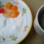 サイゼリヤ - サイゼリヤ ヨーグルト&コーヒー