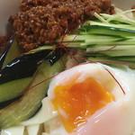 麺 銀三 - 温玉肉味噌きしめん(冷)
