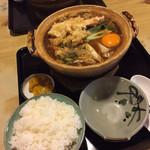 まことや - 親子味噌海老煮込みうどん ¥1220 麺大盛り ¥350 椎茸2個増量 ¥50×2 ご飯 (小) ¥250