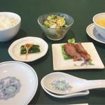 67103341 - 小菜、御飯、スープ