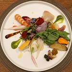 Variante - 春の貝と山菜のインサラータ
