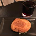 住吉町立ち呑みばる平八郎 - セットの勝沼赤ワイン