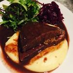 ワイン&ダイナー マッキア - 黒毛和牛内腿 カメノコのステーキ 焼きナス ポムピュレと共に