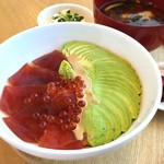 24/7 cafe apartment  - マグロとアボカドの胡麻たれ丼セット