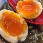 麺屋大河 - とろりとした黄身の味玉