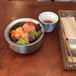 67121018 - 前菜のサラダ オリジナルドレッシング