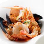 活〆天然鮮魚の南イタリア風煮込み