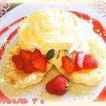 67127764 - 真っ赤な苺のショートケーキ風パンケーキ♪