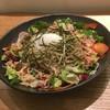 そば酒房 陽ざ志 - 料理写真:サラダそば800円。バルサミコ酢やワインビネガーで爽やかな味に仕上げました。野菜もたっぷり。
