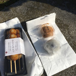 菓匠 禄兵衛 - 料理写真:(左)みたらしだんご  (右上)あんわらび餅 (右下)豆大福