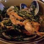 67130511 - ホウレンソウと魚介の煮物