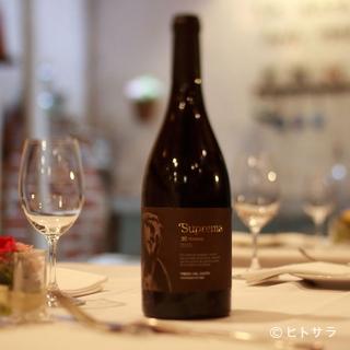 赤白スパークリング、シュリ等スペインワインを35から40種類
