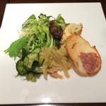 67138392 - アンティパストミスト  新鮮野菜がたっぷりです