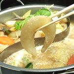 ヌーベルシノワ一品香 - 宮城県気仙沼産フカヒレ姿コラーゲン鍋